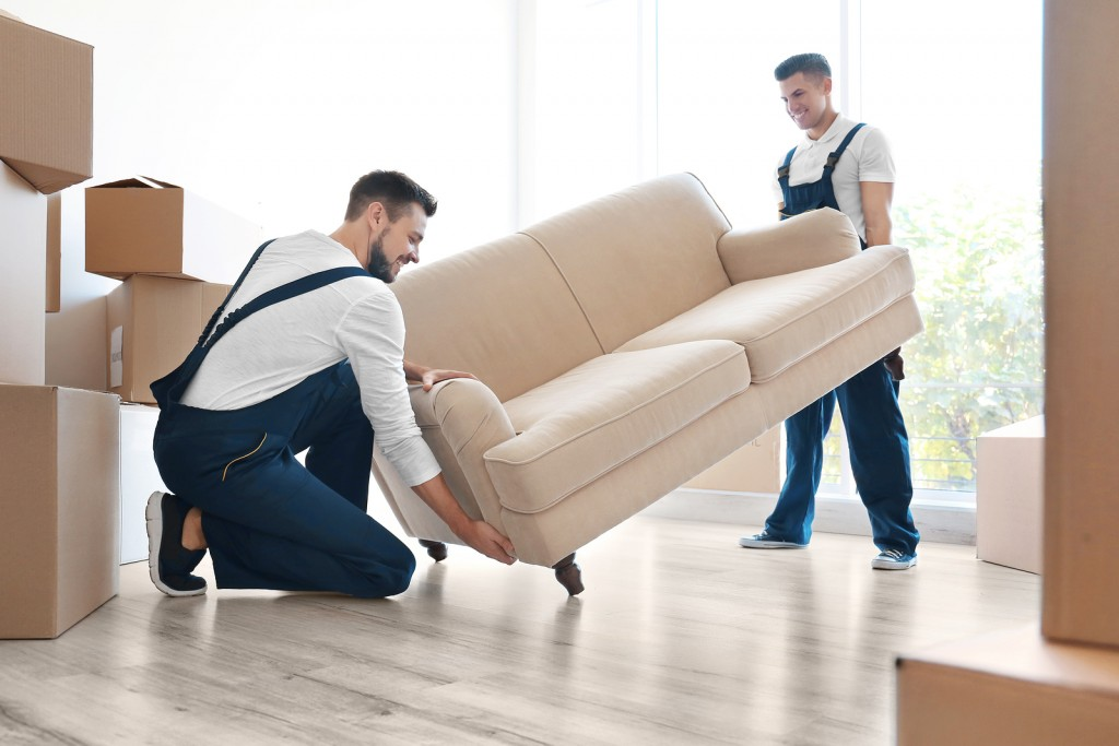 How to Choose a Decent Furniture Moving Company?
